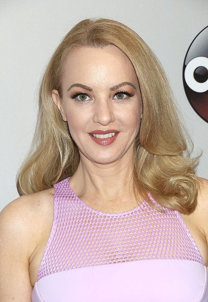 Wendi McLendon-Covey Fansite | Wendi in NYC for Up Fronts