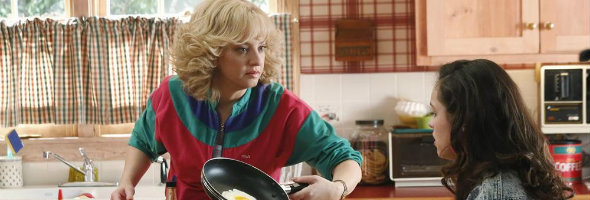 THE GOLDBERGS: Wendi McLendon-Covey Teases Bev's Latest Smothering Antics, and Her Experience Meeting the Real Bev