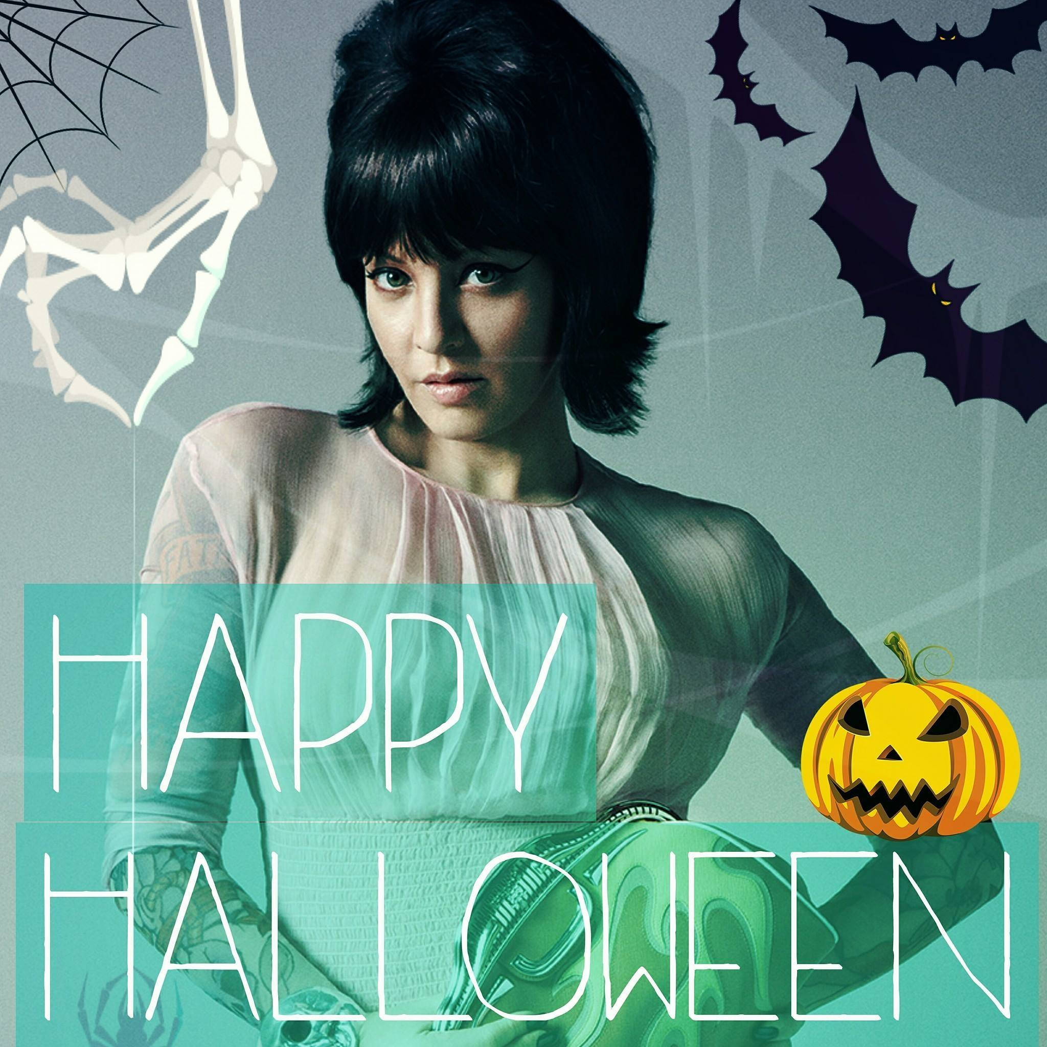 Wendi McLendon-Covey Fansite |  Happy Halloween