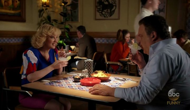 Wendi McLendon-Covey Fansite | Last Night's Screen Caps