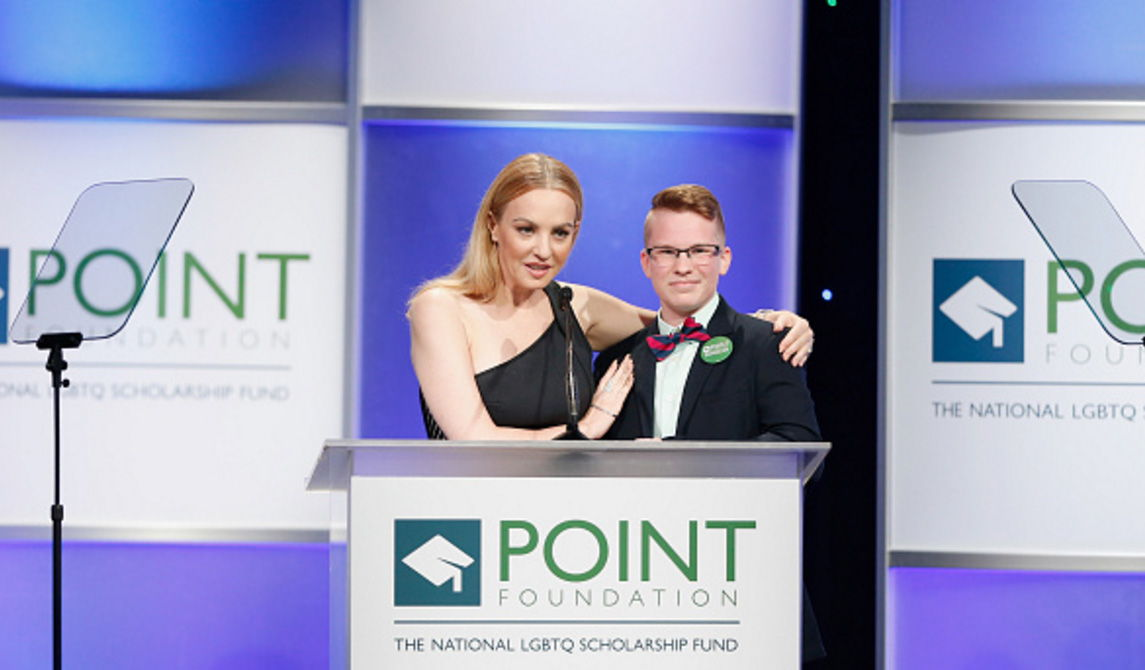 Wendi McLendon-Covey Fansite | Point Honors Gala 2016
