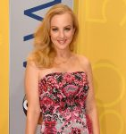 Wendi McLendon-Covey Fansite |  Country Music Awards 2016