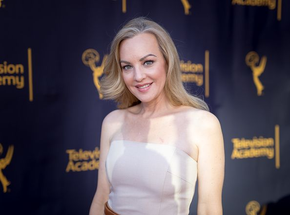 Wendi McLendon-Covey Fansite | Story TV: Adventures In Hollywood Gallery